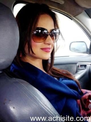Indian latest bangla beauty aunty captured her bath video for lover slutload trade - 5 8