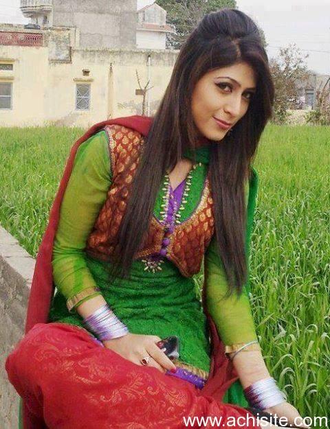 Nude pakistani beautiful girl